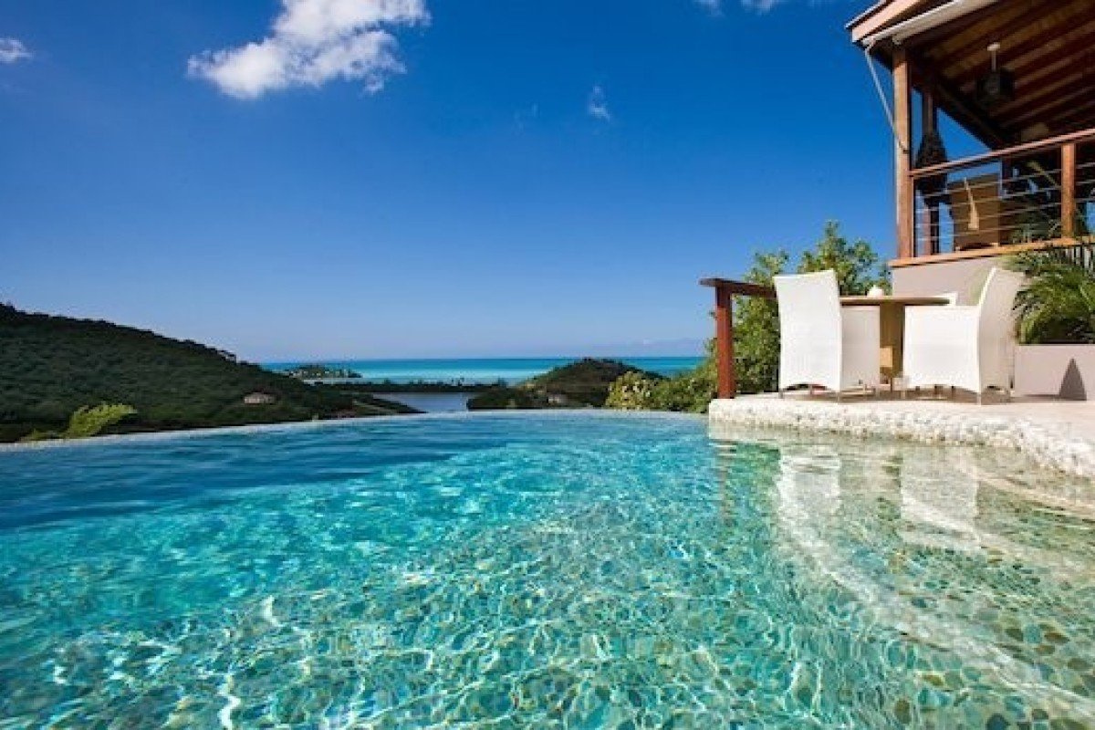 Luxury resorts and retreats in the Caribbean are often all-inclusive, have stunning beachfront properties and are so relaxing you'll never want to leave.