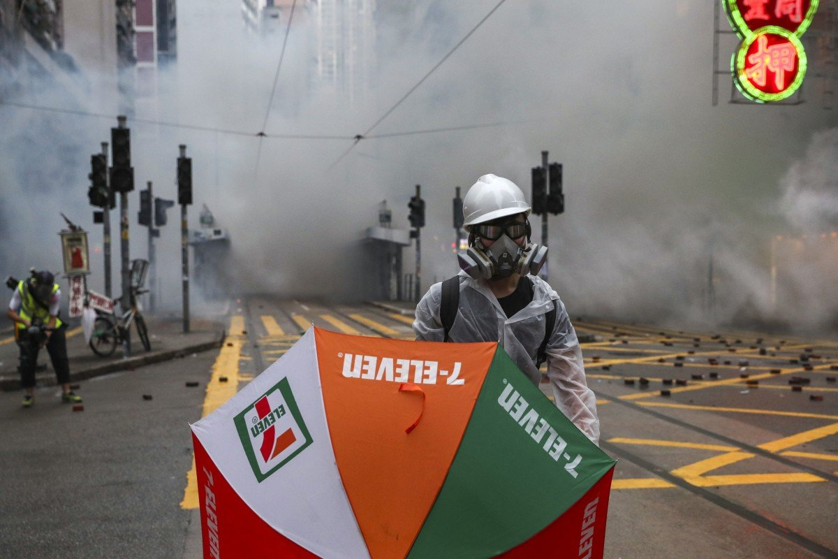 Hong Kong Protests Tens Of Thousands Defy Mask Ban As Mobs