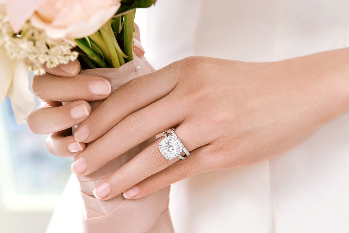 Cushion Cut Engagement Ring w/Wedding Band Pairings