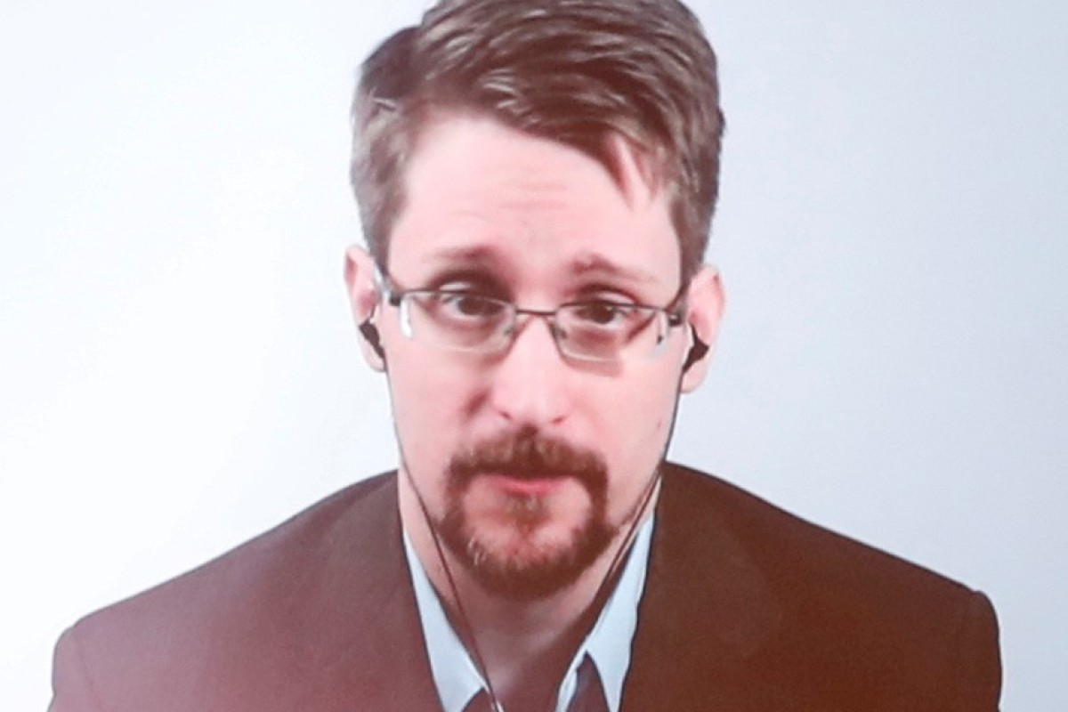 Edward Snowden couldn't find evidence US government was hiding aliens when he searched CIA and NSA databases