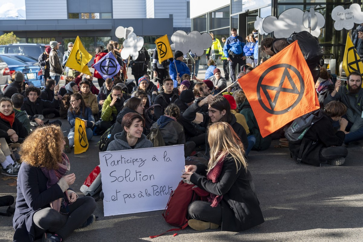 Extinction Rebellion climate protesters block Geneva's private jet terminal, saying the luxury aircraft...