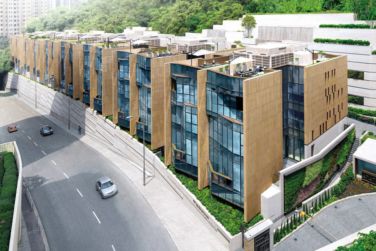 23-39 Blue Pool Road, by Hang Lung Properties, offers 18 semi-detached houses.