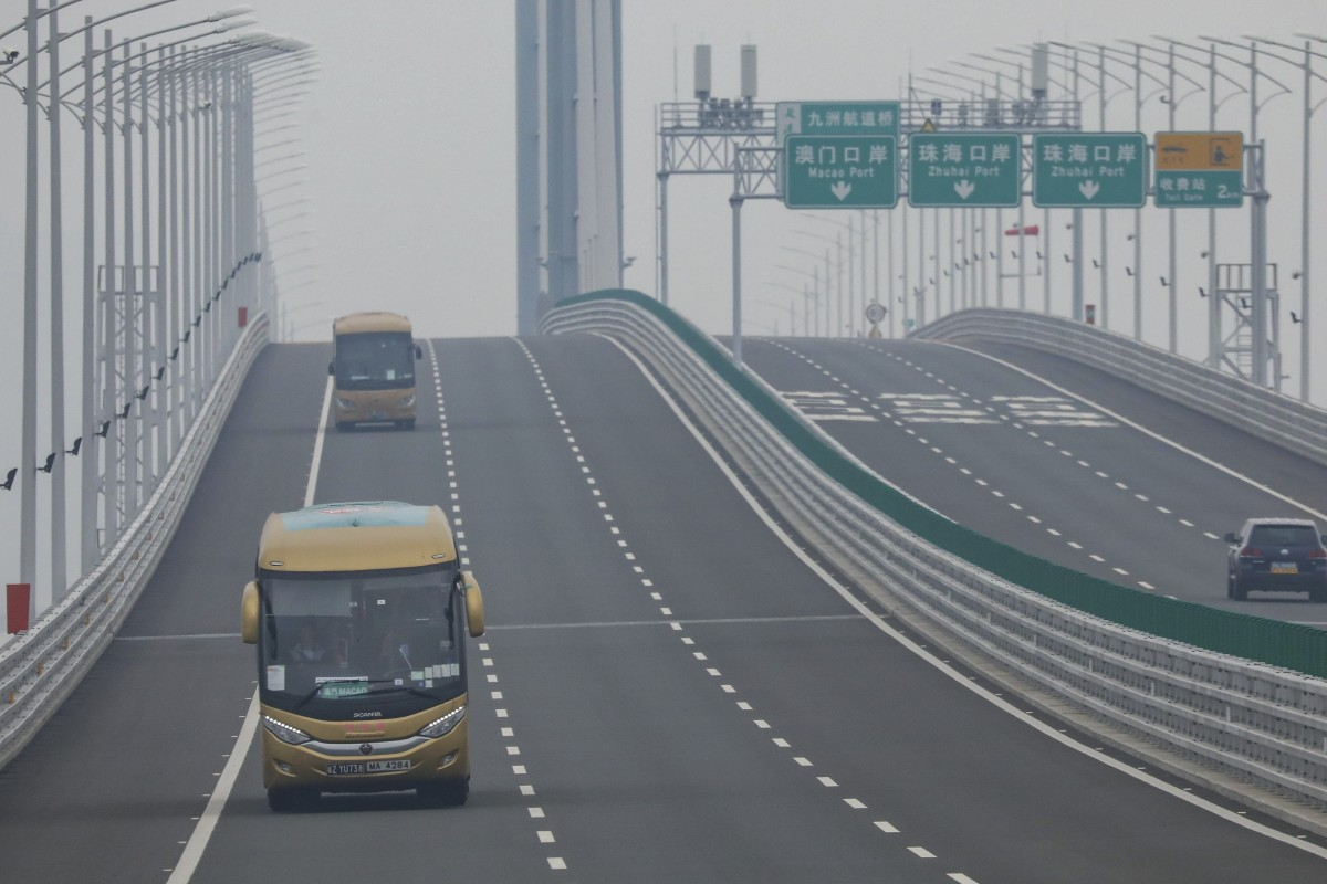 Mainland China security officials say they detained Hongkonger who went missing crossing Hong...