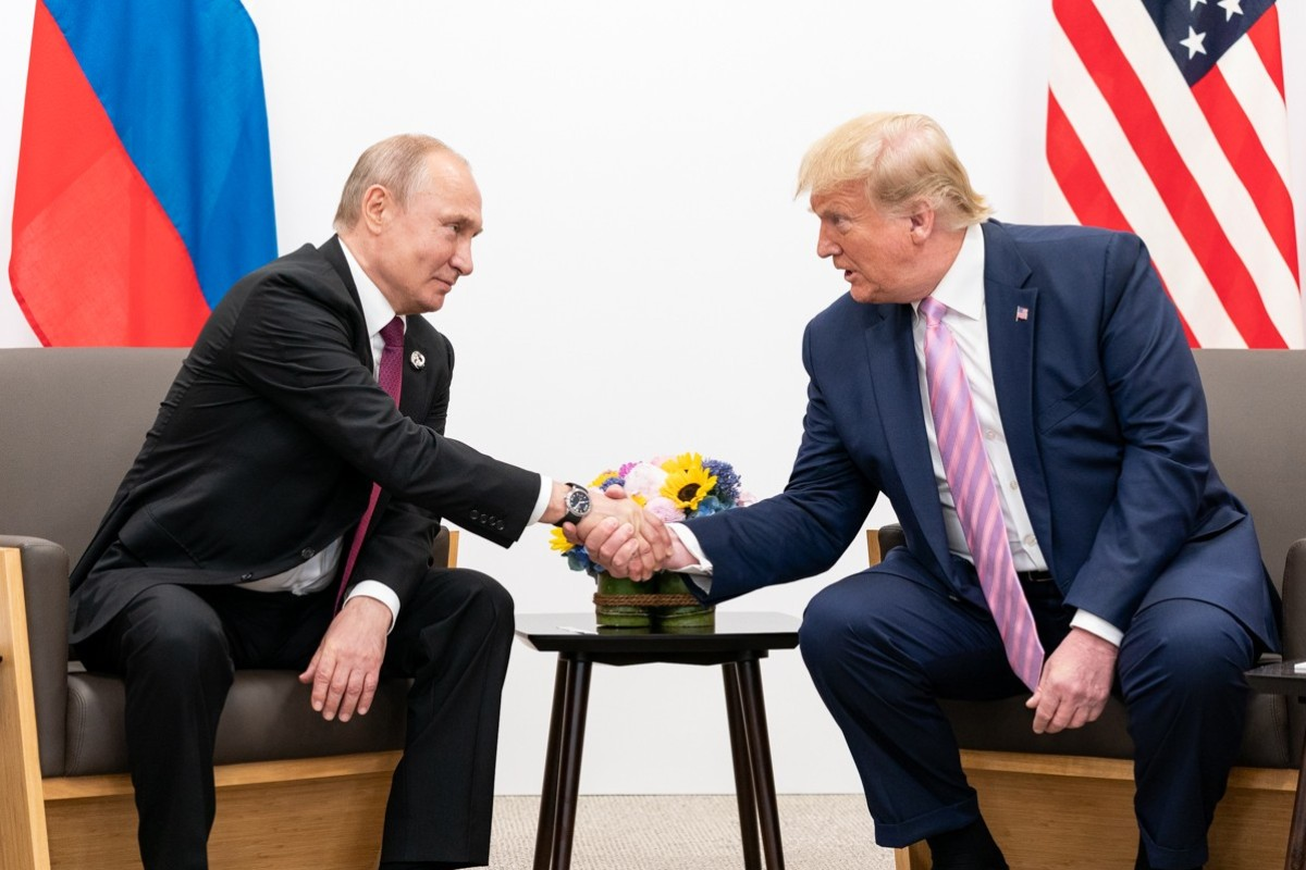 Presidents Vladimir Putin and Donald Trump at the Osaka G20 summit last June. Russia has offered to extend the nuclear arms control treaty with no new conditions. Photo: White House