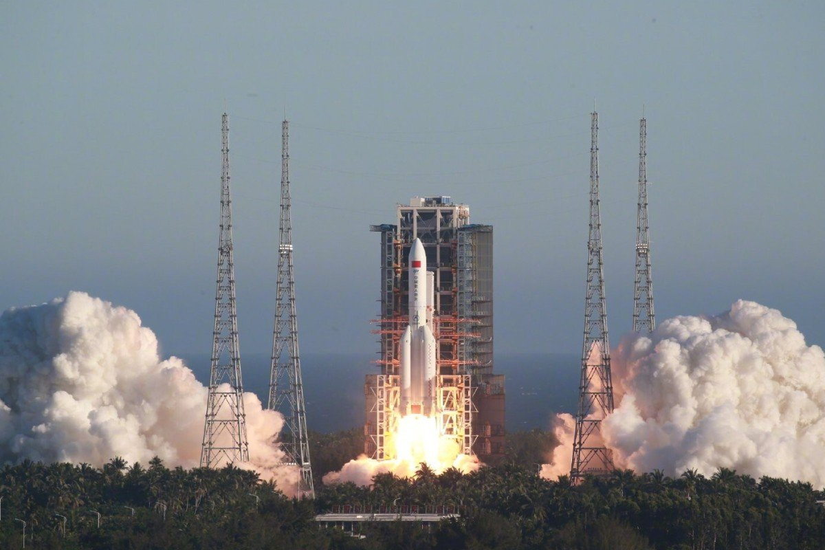 China launches manned spacecraft prototype with new Long March 5B ...