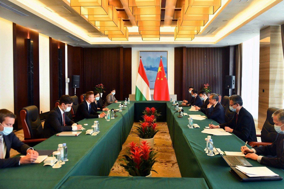 Chinese officials hold talks with representatives from Hungary in Beihai in Guangxi Zhuang autonomous region. Photo: Xinhua