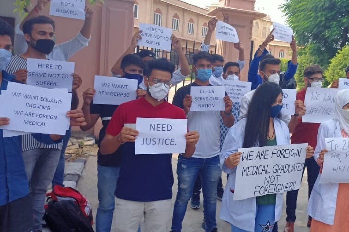 Students protest over the FMGE outside the Ministry of Health in Jaipur, Rajasthan, India. Photo: Handout