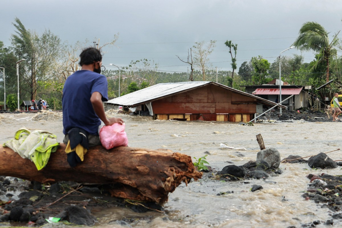 Typhoon Goni: At least 10 dead as year's worst storm lashes Philippines |  South China Morning Post
