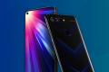 The Honor View 20 has a fingerprint sensor on the back, and a 4,000 mAh battery that Honor says will let you make 3G calls for 25 hours straight. (Picture: Honor)