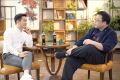 OnePlus CEO Pete Lau in conversation with Smartisan founder Luo Yonghao. (Picture: Luo Yonghao via Weibo)