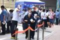 Hongkongers get tested in Sai Ying Pun. Photo: Nora Tam