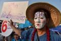 A Pheu Thai supporter in Bangkok. Photo: AFP