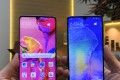 The Huawei P30 Pro (left) and the P30. Both models have an improved triple-lens main camera on the rear that set a new bar for smartphone zoom photography. The P30 Pro has a fourth sensor which functions as a 3D scanner. Photo: Ben Sin