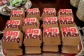 Fast food hamburgers from the chain McDonald's are provided due to the partial government shutdown as the 2018 college football playoff national champions Clemson Tigers are welcomed in the State Dining Room of the White House in Washington, US, January 14, 2019. Photo: Reuters