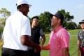 Hong Kong's Motin Yeung meets former NBA star Scottie Pippen at the Zhuzhou Classic. Photos: PGA Tour Series-China/Zhuang Liu
