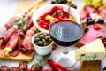 Pairing wine with spicy food can be challenging, but it is not impossible. Photo: Shutterstock