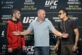 UFC president Dana White stands between Tony Ferguson (right) and Khabib Nurmagomedov in March 2017. Photo: AP