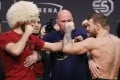Conor McGregor (right) and Khabib Nurmagomedov face off before their title fight in 2018. Photo: AP