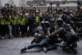 Riot police detain a protester outside Chater Garden during a rally on January 19. Photo: SOPA Images via ZUMA Wire/dpa