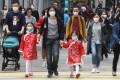 Pedestrians with masks in Hong Kong's Causeway Bay. Photo: Dickson Lee