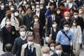 People wear masks in Tokyo's Shinjuku area on April 2, 2020, amid the spread of the new coronavirus. Photo: Kyodo
