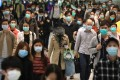 A crowd of commuters in face masks at the Hong Kong MTR station in Central on April 9. Tragic memories of Sars meant ordinary Hongkongers were on high alert early on against the coronavirus pandemic. Photo: May Tse