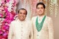 Asia's richest man Mukesh Ambani and his eldest son Akash Ambani. Photo: @ambani_akash/Instagram