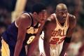 Los Angeles Lakers' Kobe Bryant (left) and Chicago Bulls' Michael Jordan talk during a 1997 NBA game. Photo: AFP