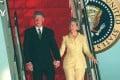 Bill and Hillary Clinton step off Air Force One at Hong Kong's Chek Lap Kok airport on July 2, 1998. Photo: Martin Chan / SCMP