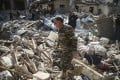 Rescuers look through the rubble of houses damaged by recent shelling in Ganja, Azerbaijan, October 11. Photo: EPA-EFE
