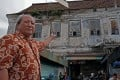Sutikno Djiyanto is the caretaker of a mansion in Surabaya, Indonesia, that once sheltered ethnic Chinese people from war and violent rebellion, and is now a melting pot of the country's different races where families live virtually rent-free among rats and cockroaches. Photo: Witness News/Lukman Abdul Rozaq