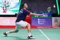 Hong Kong's Angus Ng returns against Denmark's Viktor Axelsen in the men's singles final at the Thailand Open in Bangkok. Photo: Badminton Association of Thailand/AFP