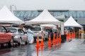 New Zealand motorists queue at the Otara testing station after a positive Covid-19 coronavirus case was reported in the community, as Auckland entered a three-day lockdown. Photo: AFP