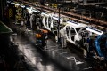 The assembly line that produces both the electric vehicle Renault Zoe and the hybrid vehicle Nissan Micra, at Flins-sur-Seine, the largest Renault production site in France, on May 6, 2020. Photo: AFP