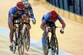 Cheung King-wai (right) on his way to victory in the 40km men's points race at the 2006 Asian Games in Doha. Photo: Reuters
