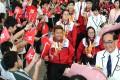 Rio 2016 Paralympic Games medallists (clockwise from left) Leung Yuk-wing, Justine Charissa Ng, Yu Chui-yee, Tang Wai-lok and Chan Yui-chong arrive at Hong Kong Airport after returning from Brazil. Photo: K.Y. Cheng