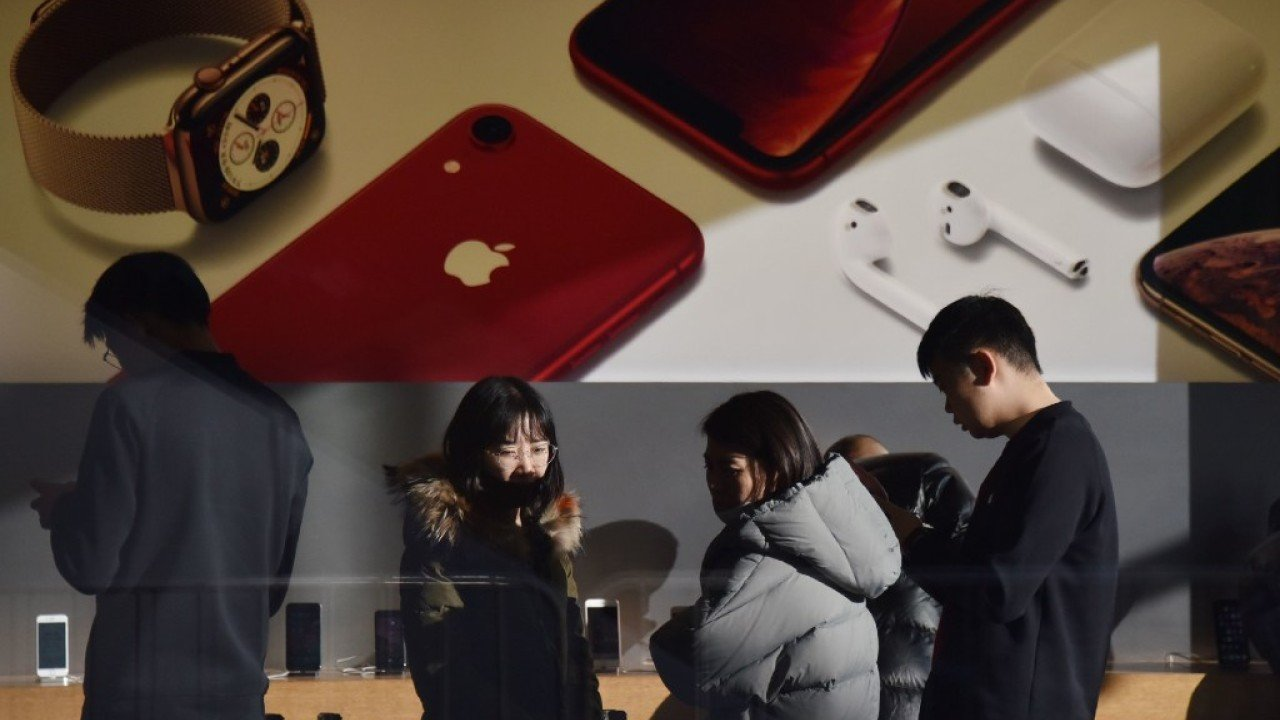 iPhones are much cheaper in China… but not cheap enough for some