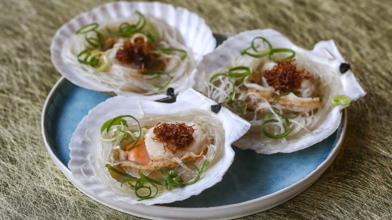 Steamed scallops with XO sauce, mung bean vermicelli and spring onions