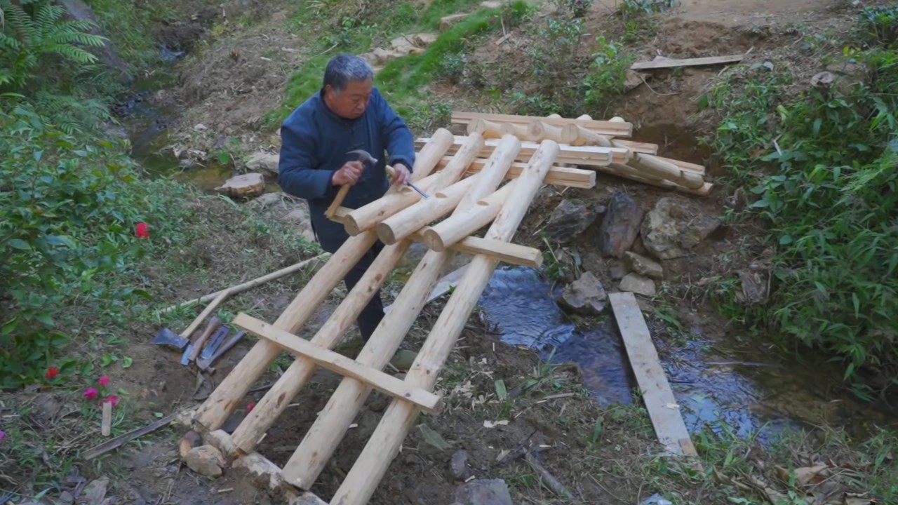 China Trends: A woodworker captivates YouTube and a local government pleads online for flood aid