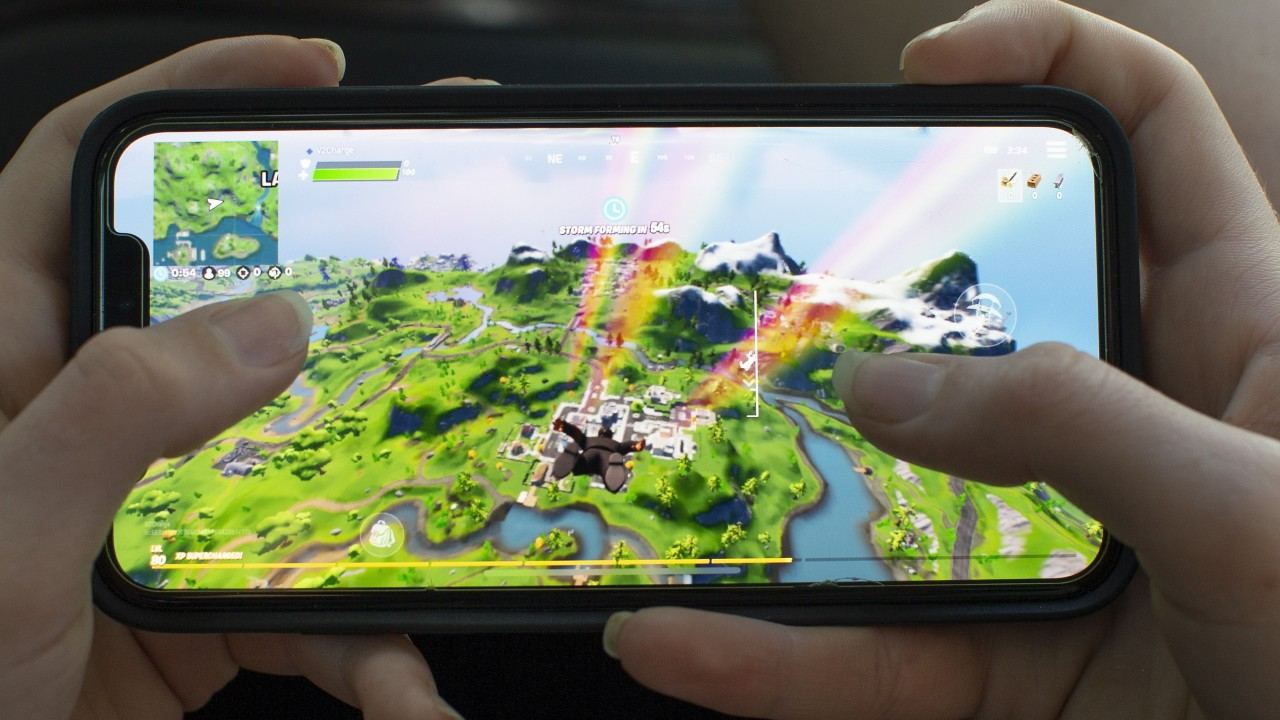 A new invite-only iPhone app lets people gamble money on Fortnite and Call of Duty matches