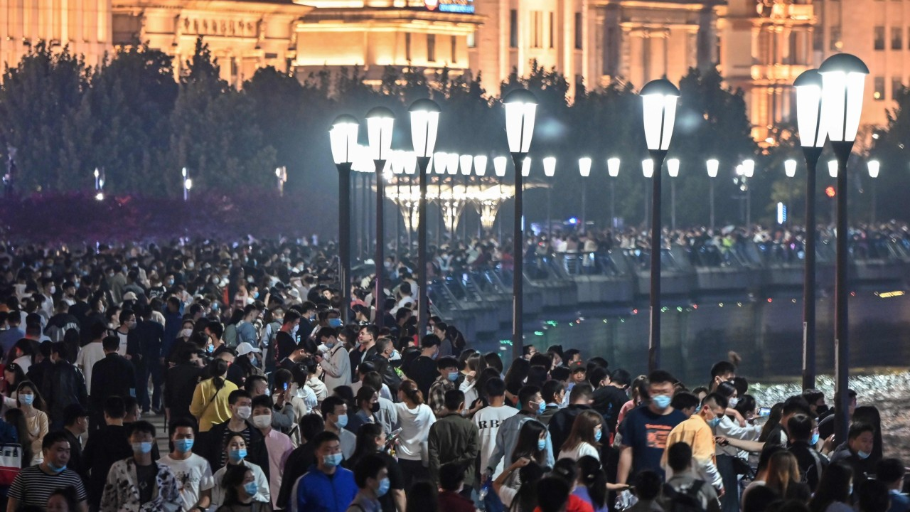 Shanghai looks to five suburbs to reduce population density in China's commercial hub