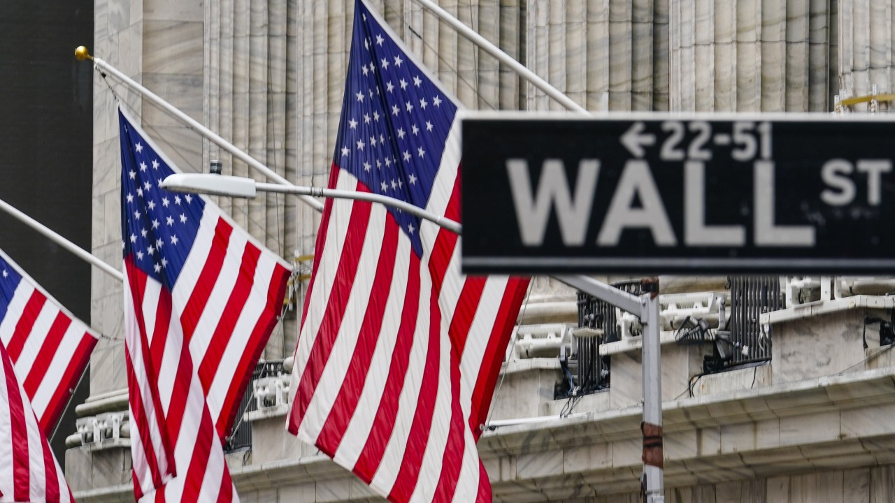 Chinese students pay agents US$12,000 for shot at Wall Street