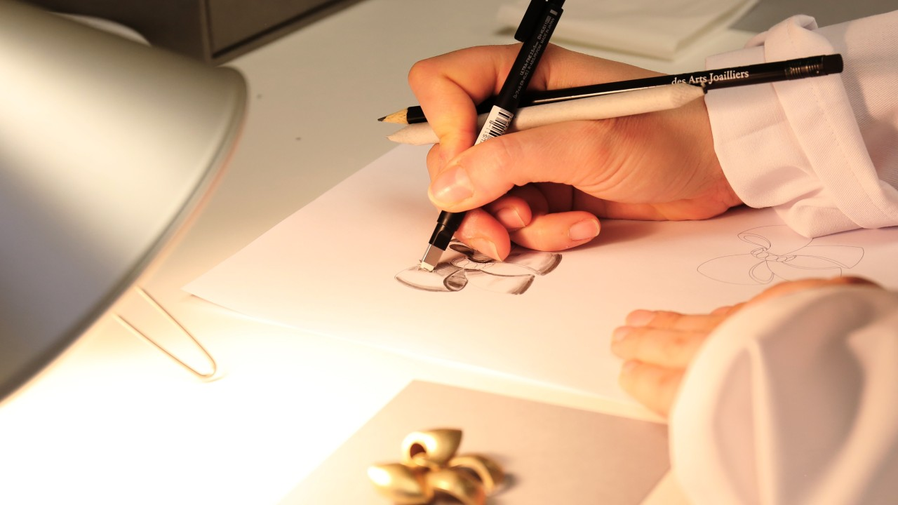 Polish your knowledge of gems with courses from Van Cleef & Arpels, De Beers and Gübelin