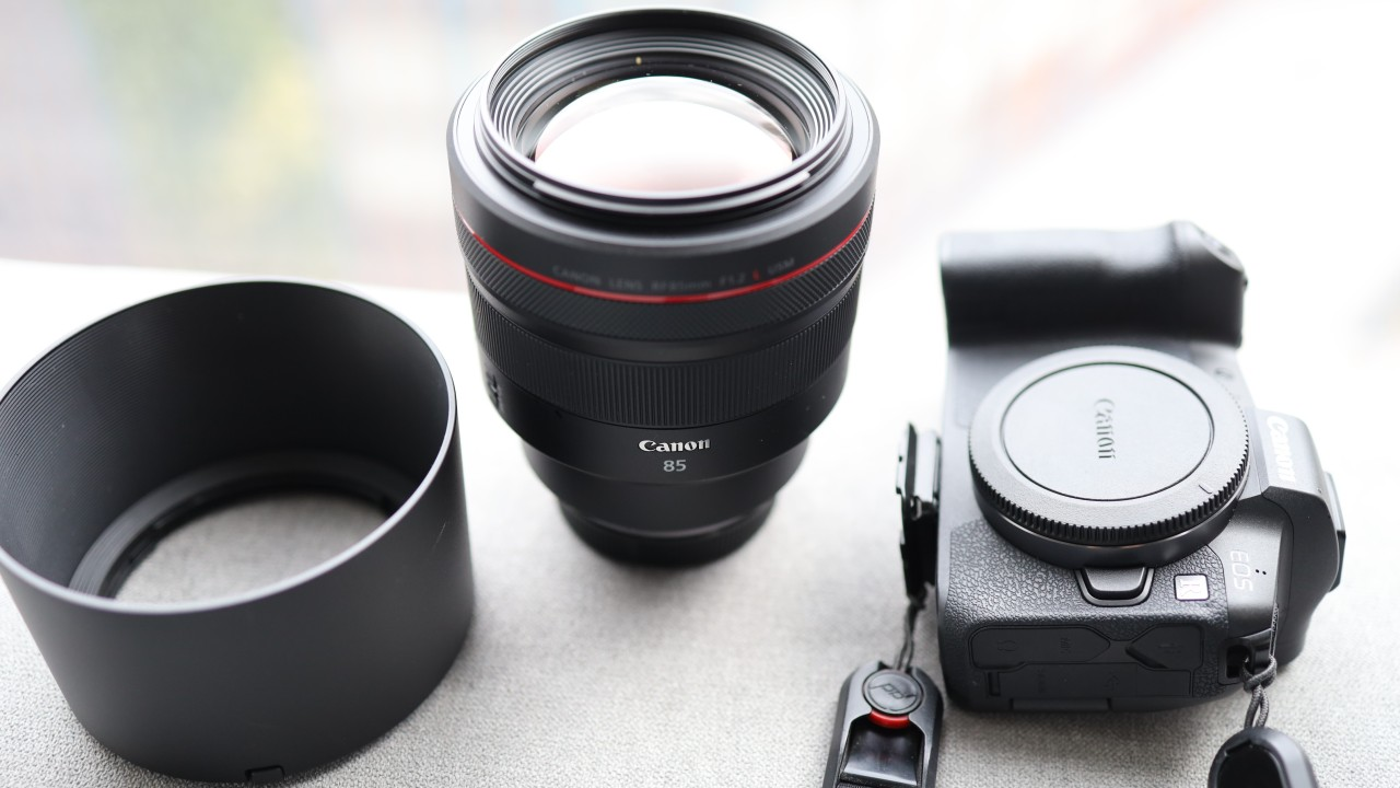 We review Canon's new EOS RF 85mm F1.2 USM lens – the perfect choice for candid photography that's as heavy as a kettlebell