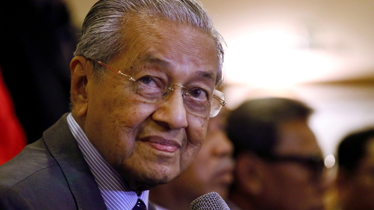 Mahathir to update Malaysia's foreign policy, including on South China Sea and international Muslim cooperation