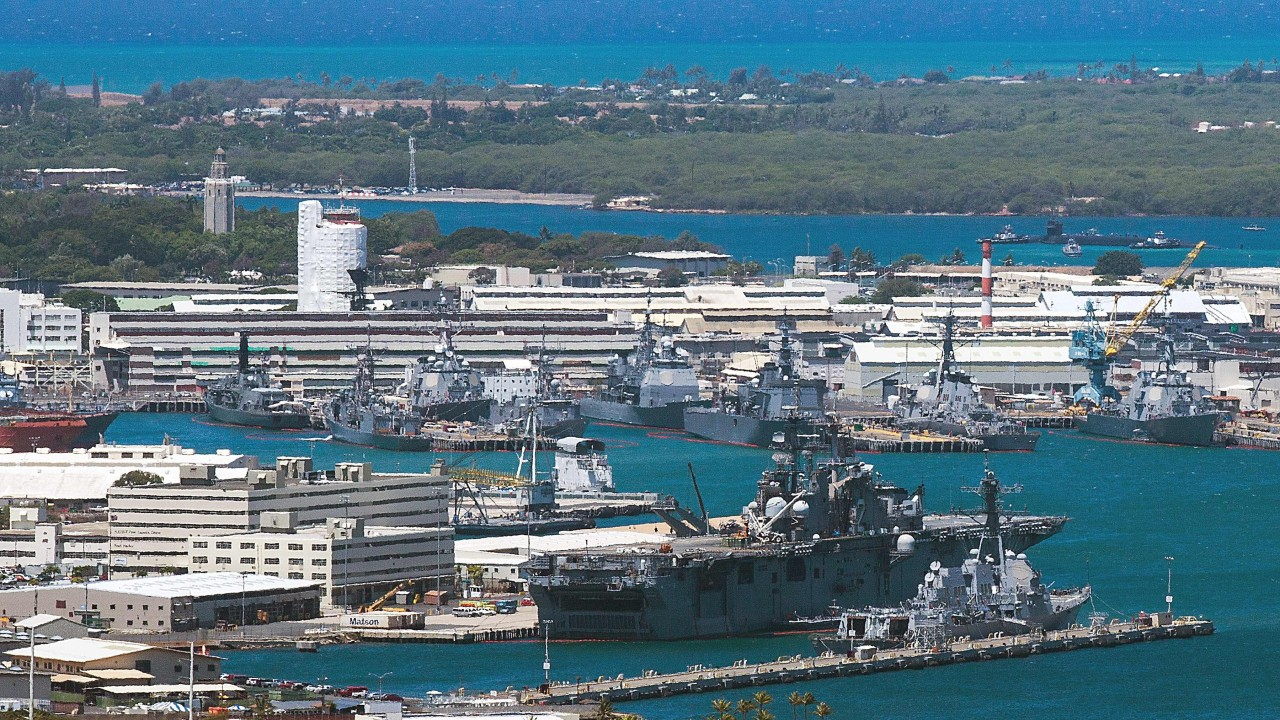 Gunman 'in uniform' in shooting spree at Pearl Harbour base before suicide