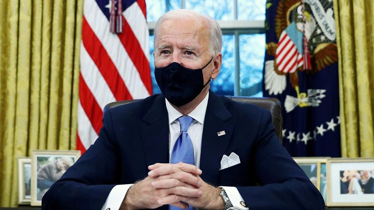 Joe Biden to reinstate US coronavirus travel restrictions, adding South Africa to banned list