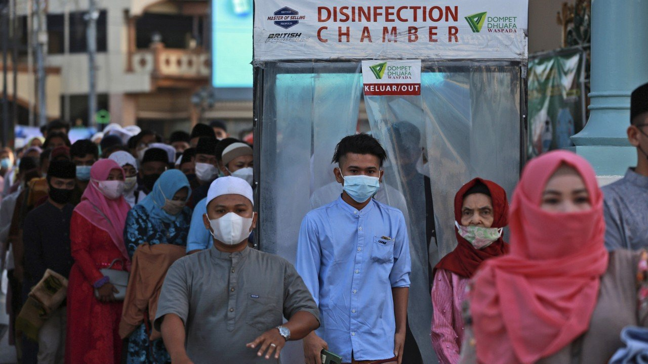 Covid-19 shuts down Eid al-Fitr celebrations for Indonesian Muslims for the second year in a row
