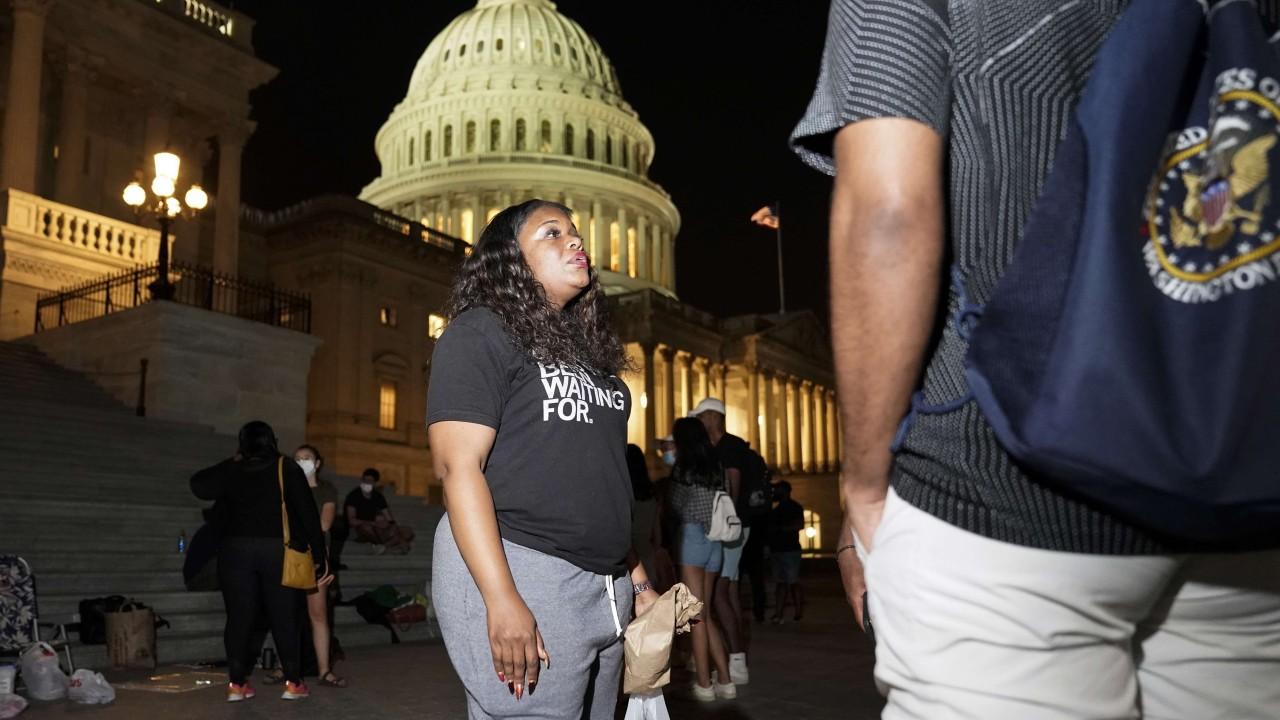 US congresswoman spends night outside Capitol to protest against return of evictions