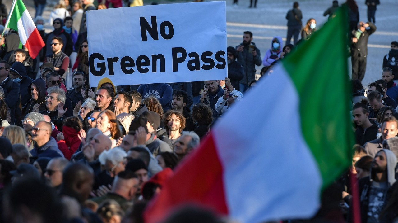 Thousands protest in Italy as tough coronavirus 'green pass' rules take effect